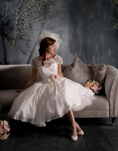 Naomi Neoh, Scarlet menyasszonyi ruha / Naomi Neoh, Scarlet bridal gown Forrás:http://www.naomineoh.com