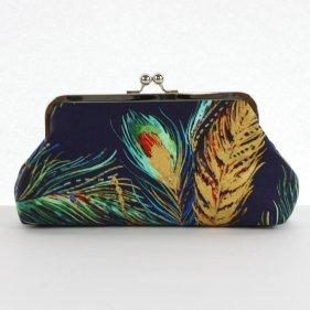 Pávás kézitáska, Peacock clutch purse Forrás:http://www.etsy.com