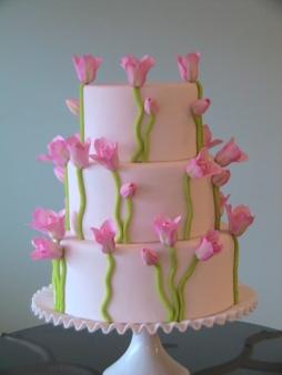 Tulipános menyasszonyi torta / Tulip wedding cake Forrás:http://www.sugarbellecakes.com