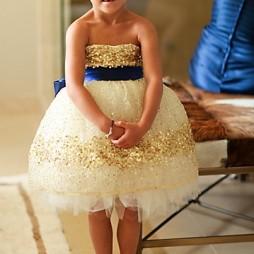 Csillogó arany virágsziromlányka ruha , Gold glitter flower girl dress Forrás:http://www.etsy.com/