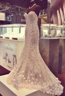 Csillogó ezüst menyasszonyi ruha , Silver glitter bridal gown Forrás:http://weheartit.com/