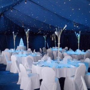 Tengerészkék esküvői dekoráció, Navy blue wedding decoration Forrás:http://www.bashcorner.com/