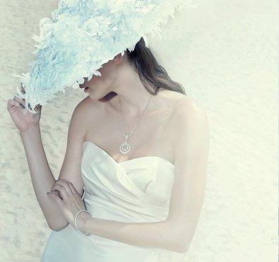Menyasszonyi kalap 19, Bridal hat 19 Forrás:www.suzannemillinery